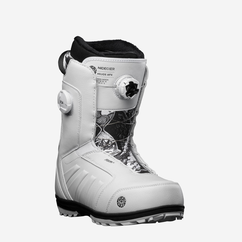 YES. Funinc 19/20 snowboard, topsheet & base view.